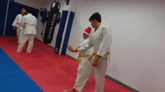 aikido-kids-infantil-y-juvenil-entrenamiento-navideno-2016-defensa-personal-aikido-aikikai-san-vicente-del-raspeig-al_63