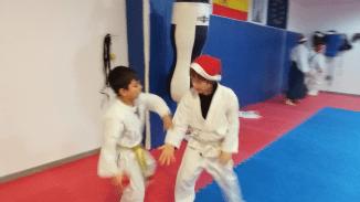 aikido-kids-infantil-y-juvenil-entrenamiento-navideno-2016-defensa-personal-aikido-aikikai-san-vicente-del-raspeig-al_76