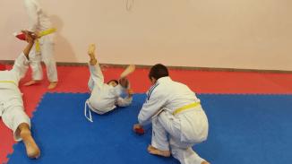 aikido-kids-infantil-y-juvenil-entrenamiento-navideno-2016-defensa-personal-aikido-aikikai-san-vicente-del-raspeig-al_86