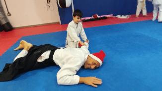 aikido-kids-infantil-y-juvenil-entrenamiento-navideno-2016-defensa-personal-aikido-aikikai-san-vicente-del-raspeig-al_91