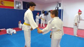 aikido-kids-infantil-y-juvenil-entrenamiento-navideno-2016-defensa-personal-aikido-aikikai-san-vicente-del-raspeig-al_93