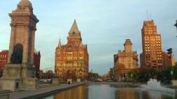 Syracuse, NY downtown by Don-vip via wikimedia commons