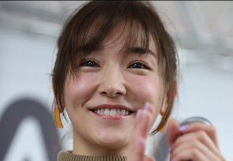 とてもかわいい笑顔の加護亜依