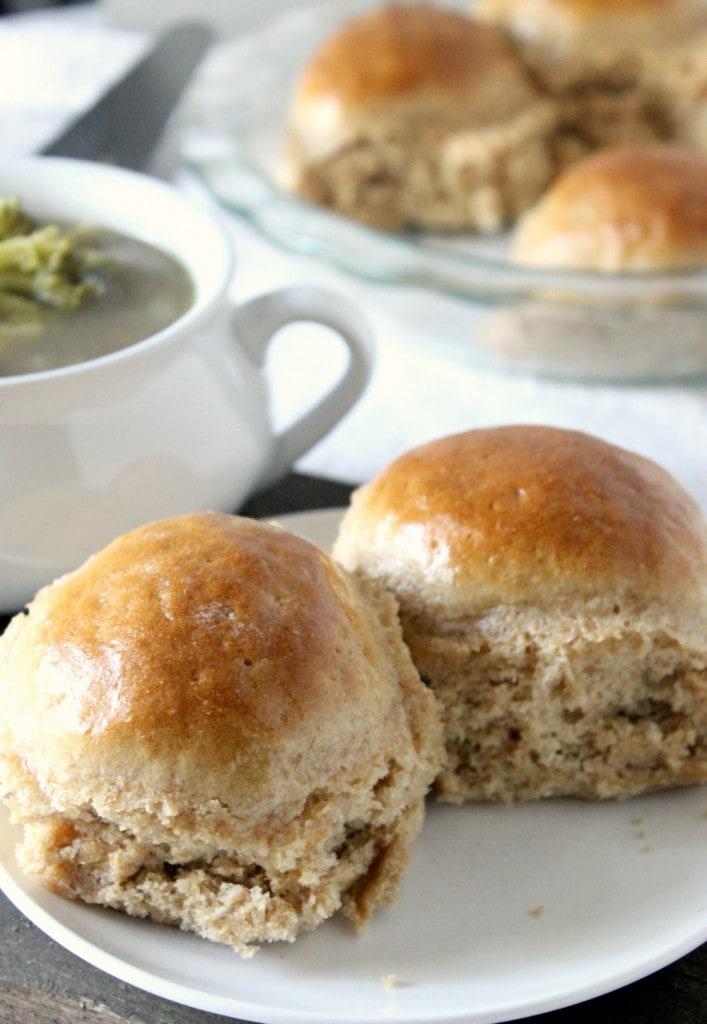 honey-whole-wheat-dinner-rolls