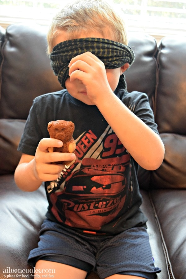 We had so much fun having a blind taste testing of teddy graham's soft bakes filled snacks.