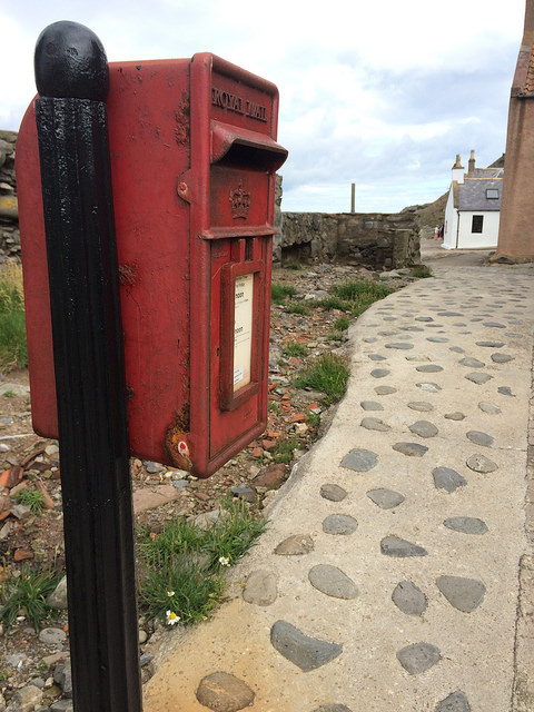 red letter box at Crovie