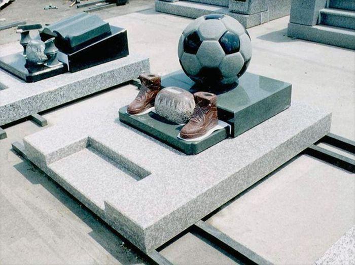 変わった墓2
