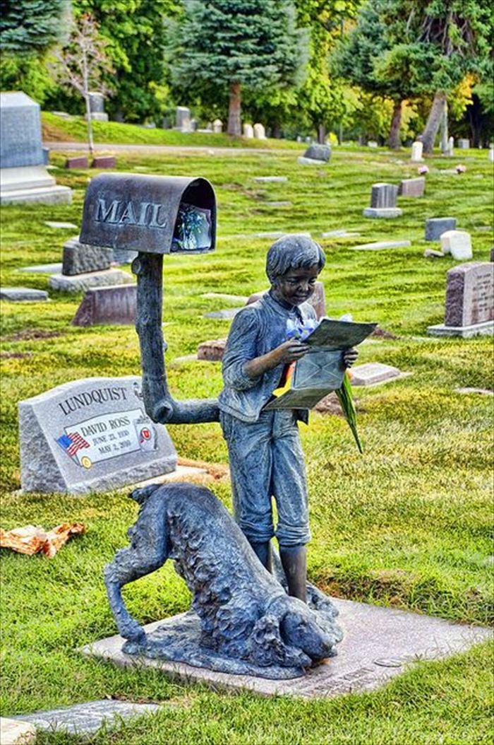 変わった墓4