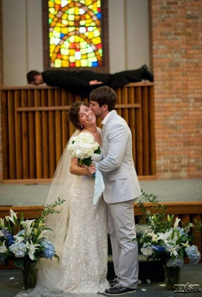 嫌な結婚式24