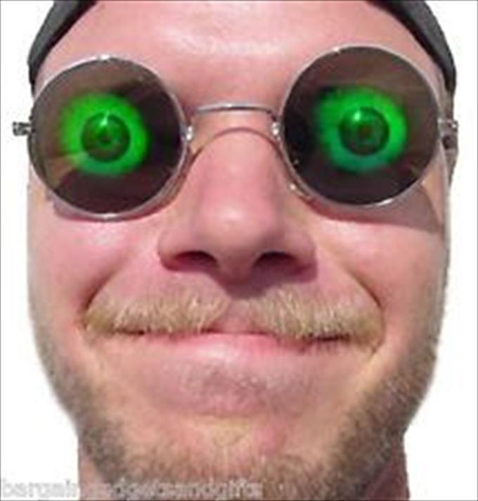 海外で人気の斬新すぎるサングラス【画像】
