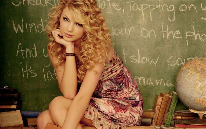 テイラー・スウィフト画像 3173_Sexy-angel-Taylor-Swift-at-school