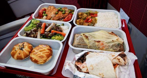 世界の飛行機の機内食(航空会社ごと・食事画像集まとめ)