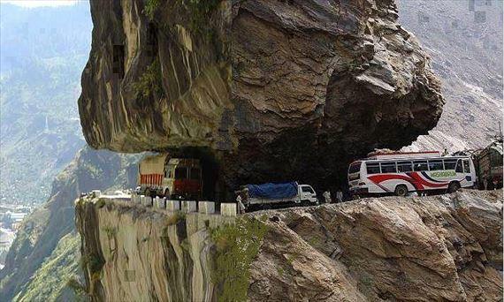 世界で最も危険な道トップ23(画像)