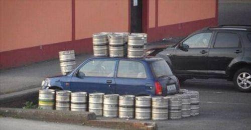 犯罪レベル?!残酷な車へのイタズラ&復讐(大破写真ほか33枚)