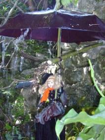 Mai des terrasses - poupée parapluie