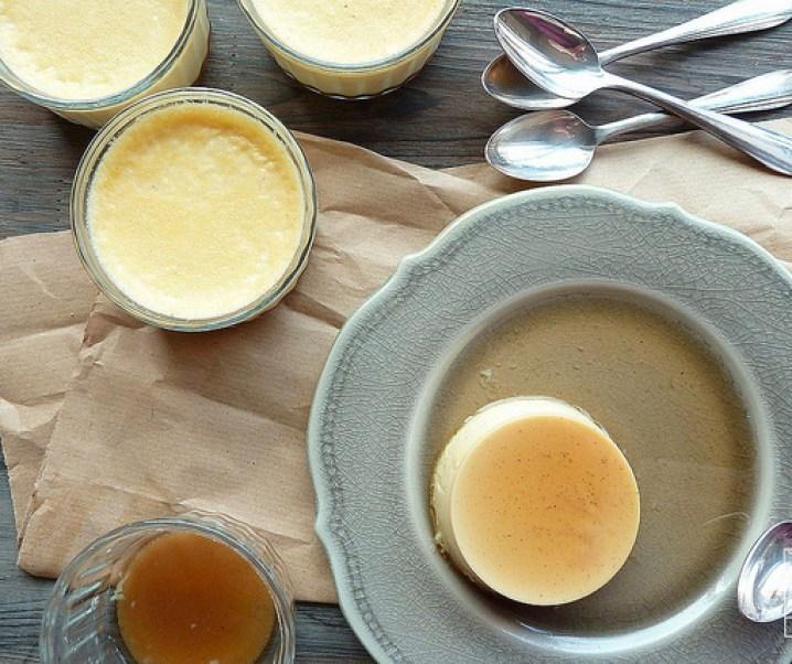 Œufs au lait à la vanille et caramel de sirop d'agave