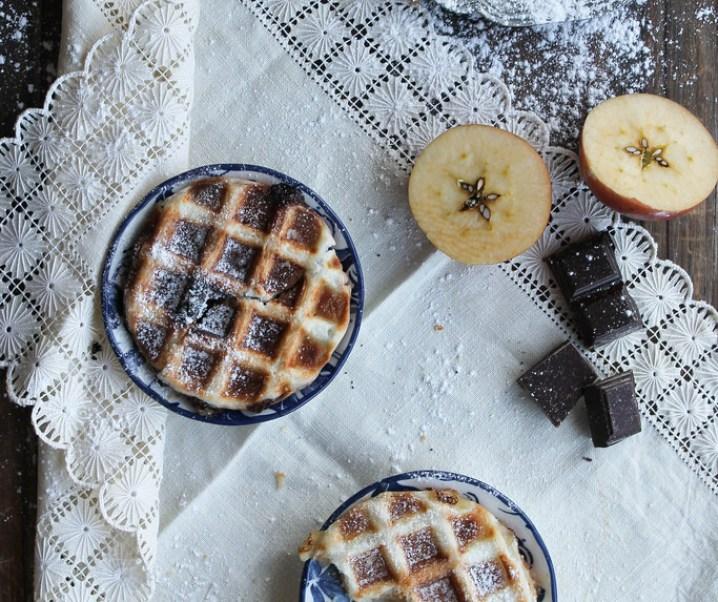 Gaufre feuilletée chocolat – pomme {vegan}