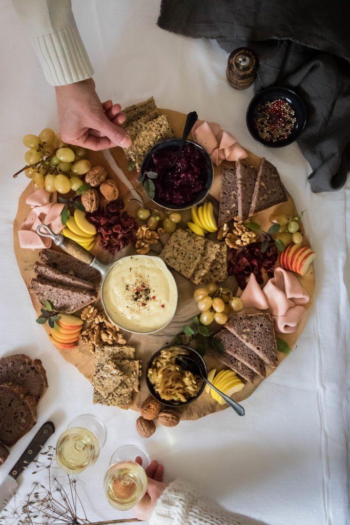 Planche apéro au fromage fondu {Vegan}
