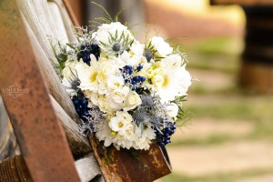 Middle Georgia Wedding, Plantation Farms wedding, bride and groom, wedding day, farm wedding, garden wedding, flower bouquet white and blue flowers