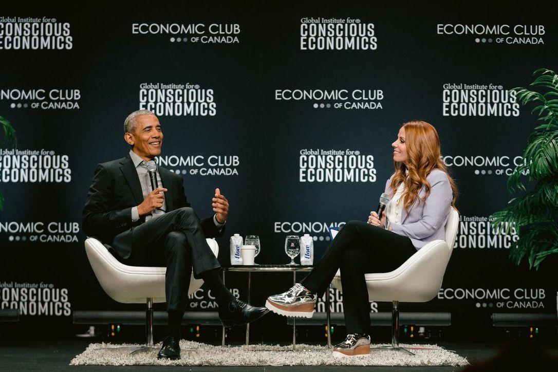 Barack Obama s'adresse à 6 000 jeunes à Toronto et félicite le Canada d'être un pays où «les faits comptent encore».