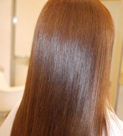 まるでサロン帰り!?パサパサ髪が…簡単ケアでサラツヤ髪に!話題のヘアケアが凄い