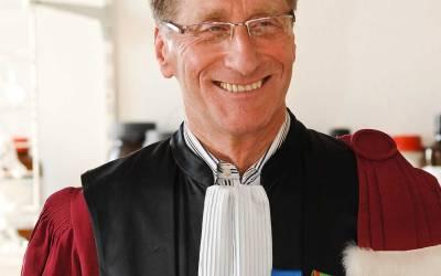 Entrée triomphale du Pr André Fougerousse à l'AIMSIB