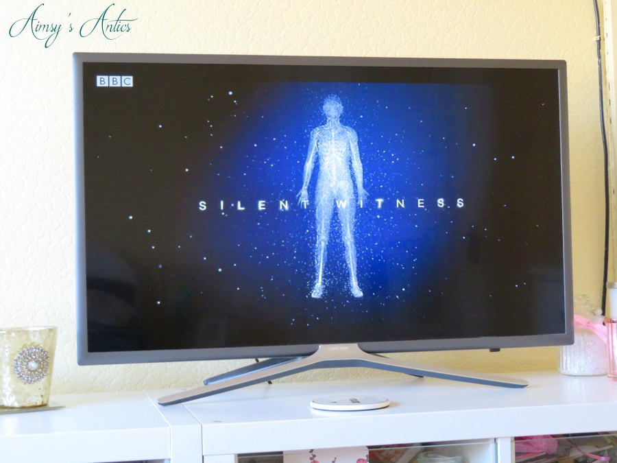 TV screen showing the Silent witness title image