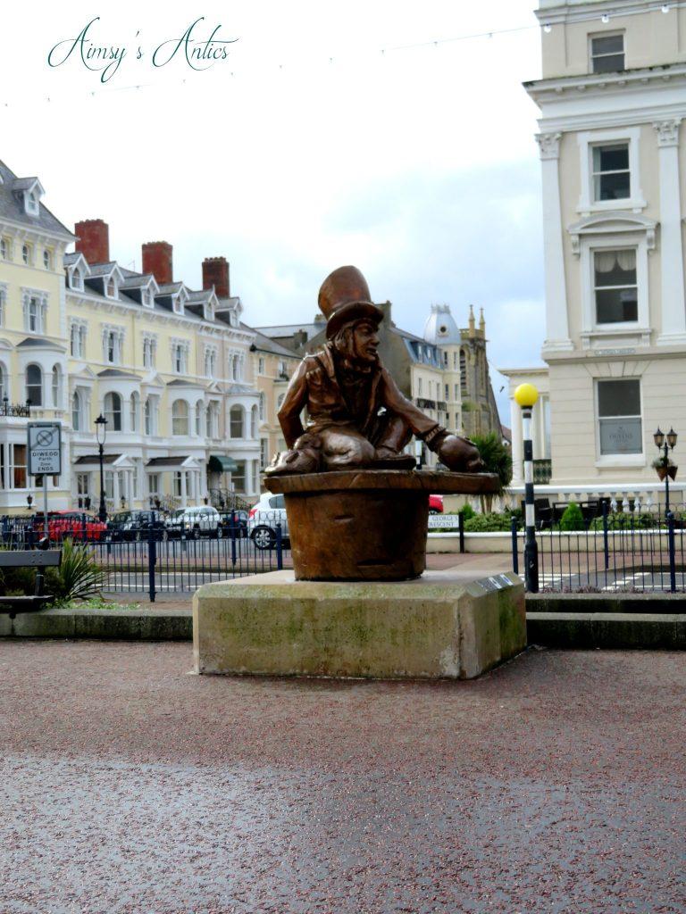 Mad hatter statue in Landudno