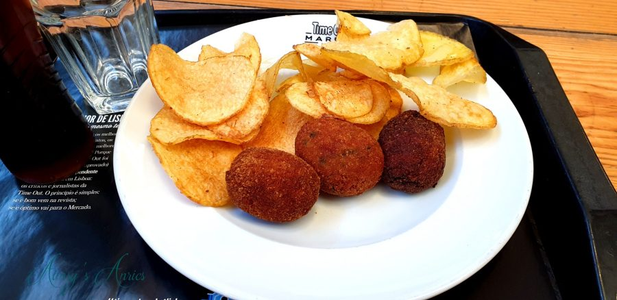 three croquettes with crispy chips on a plate, Time Out Market, Lisbon