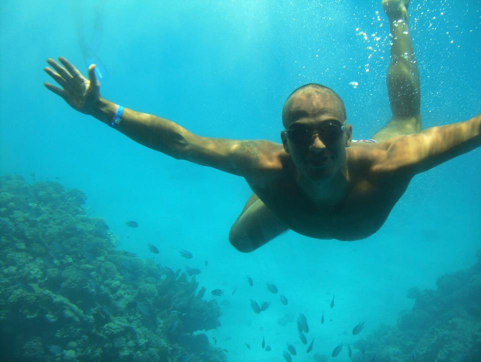 Pariu nebunesc: vrea sa inoate Canalul Manecii in mai putin de 8 ore