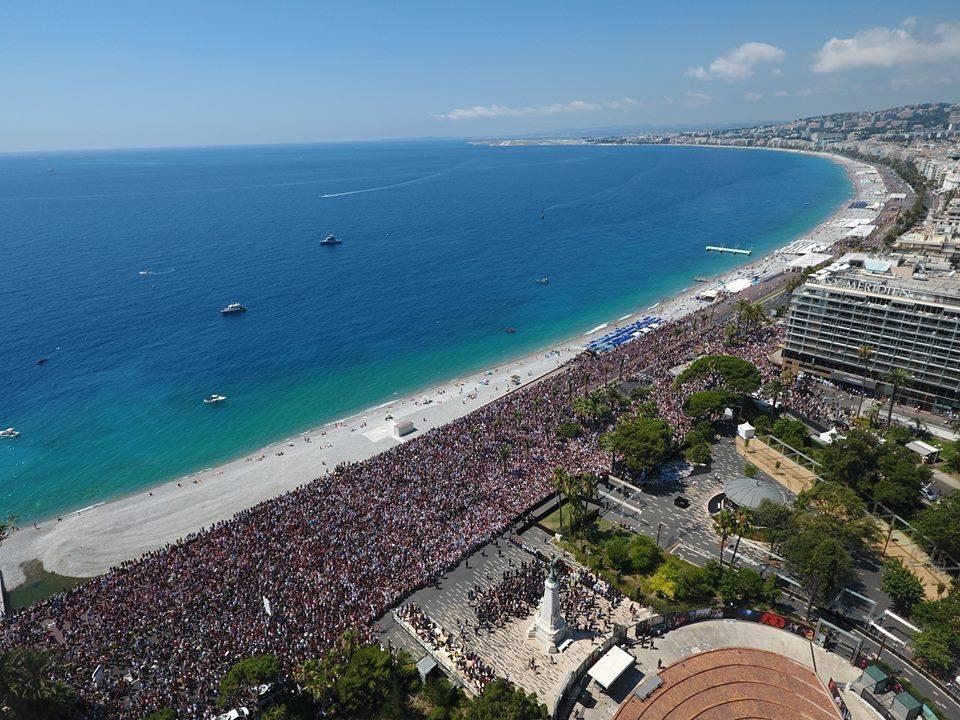 Zeci de români participă la Maratonul Nice-Cannes.Sunt măsuri extreme de securitate.