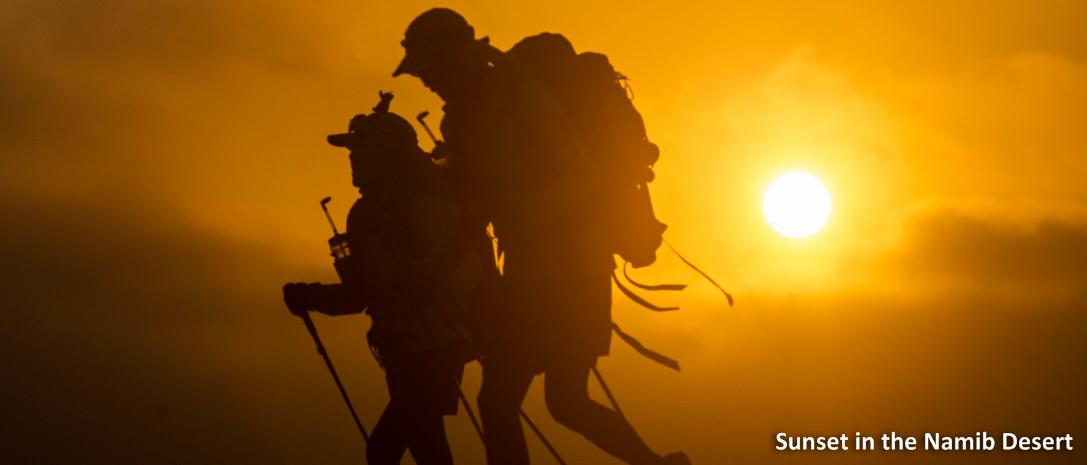 Zi extrema in desertul Namib: 2 romani alearga 80 de kilometri la 45 de grade Celsius