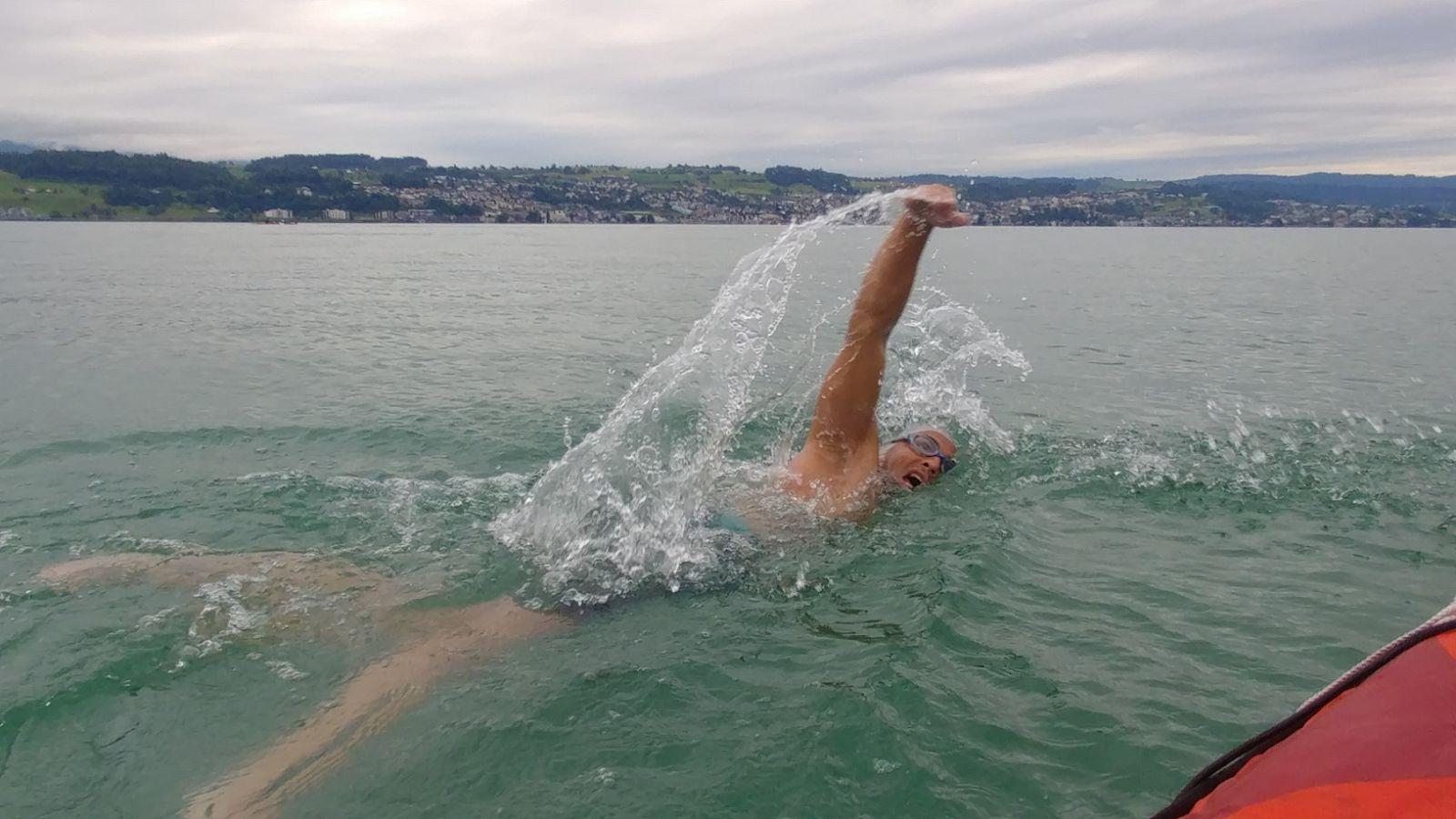 Paul Georgescu nu a avut rival in maratonul acvatic de pe lacul Zurich