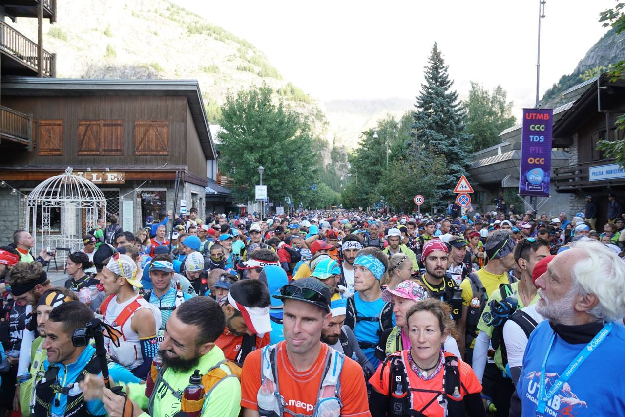 UTMB, CCC: A inceput cursa care strabate 3 tari. Radu Milea e in TOP 100