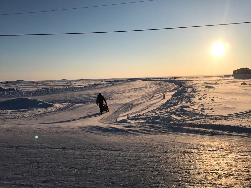 """O femeie care a """"driblat"""" moartea este prima romanca din istorie inscrisa la Arctic Ultra 6633"""