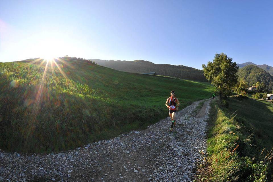 Denisa Dragomir in etapa finala a Skyrunner Italia: Ultramaratonul Tartufo