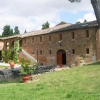 Toscana, case popolari nei beni confiscati. Contrastare la mafia combattendo l'emergenza abitativa