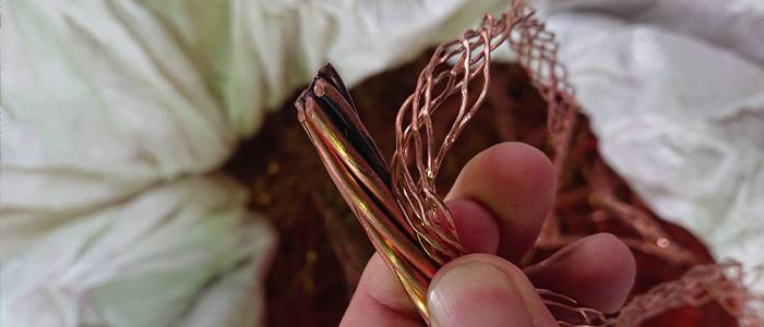 銅スクラップの取扱一覧、ピカ銅変色、ピカ2号銅線、ピカ銅線黒、剥線、黒ピカ2号銅線スクラップ買取、滋賀県非鉄金属買取の神田重量金属株式会社