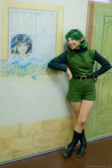 legend-of-zelda-ocarina-of-time-saria-cosplay-window