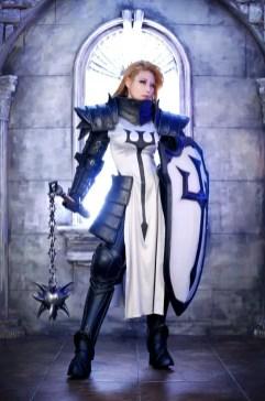 diablo-III-crusader-cosplay-tasha-3