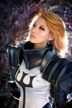 diablo-III-crusader-cosplay-tasha-5