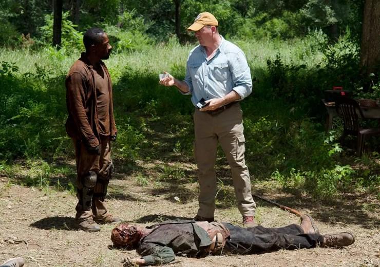 the-walking-dead-episode-604-eastman-teaching-morgan