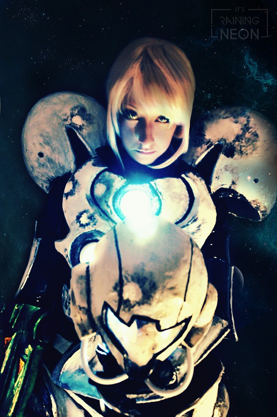 light-suit-samus-cosplay-11