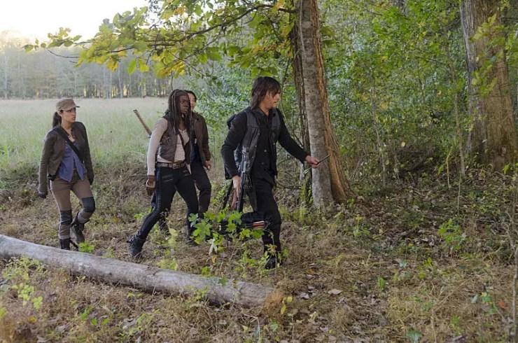 """The Walking Dead: Season 6, Episode 15 """"East"""" Review"""