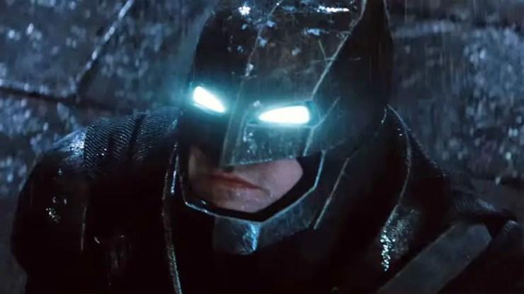 batman-v-superman-batman-power-suit