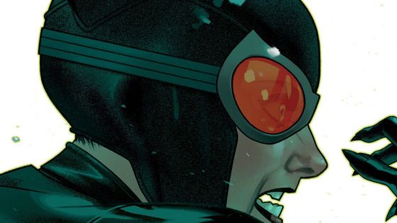 Catwoman is one of those characters who, when given a series of her own, becomes a badass loner who can steal and kick butt like the best of them. It's the best way to enjoy Catwoman. DC Comics released their eighth volume this week and we delve into her singular adventure. Is it good?