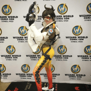 overwatch-tracer-cosplay-by-amouranth-5