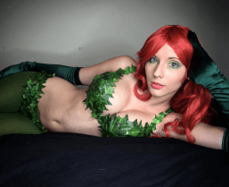 poison-ivy-cosplay-felicity-davis-13