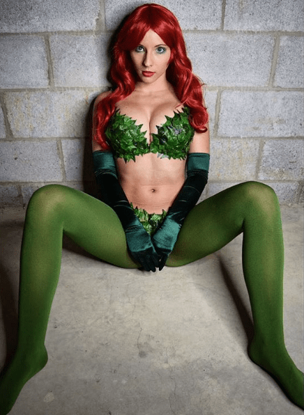 poison-ivy-cosplay-felicity-davis-7
