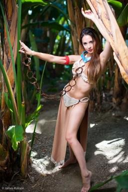 slave-leia-pocahontas-cosplay-hendo-art-6